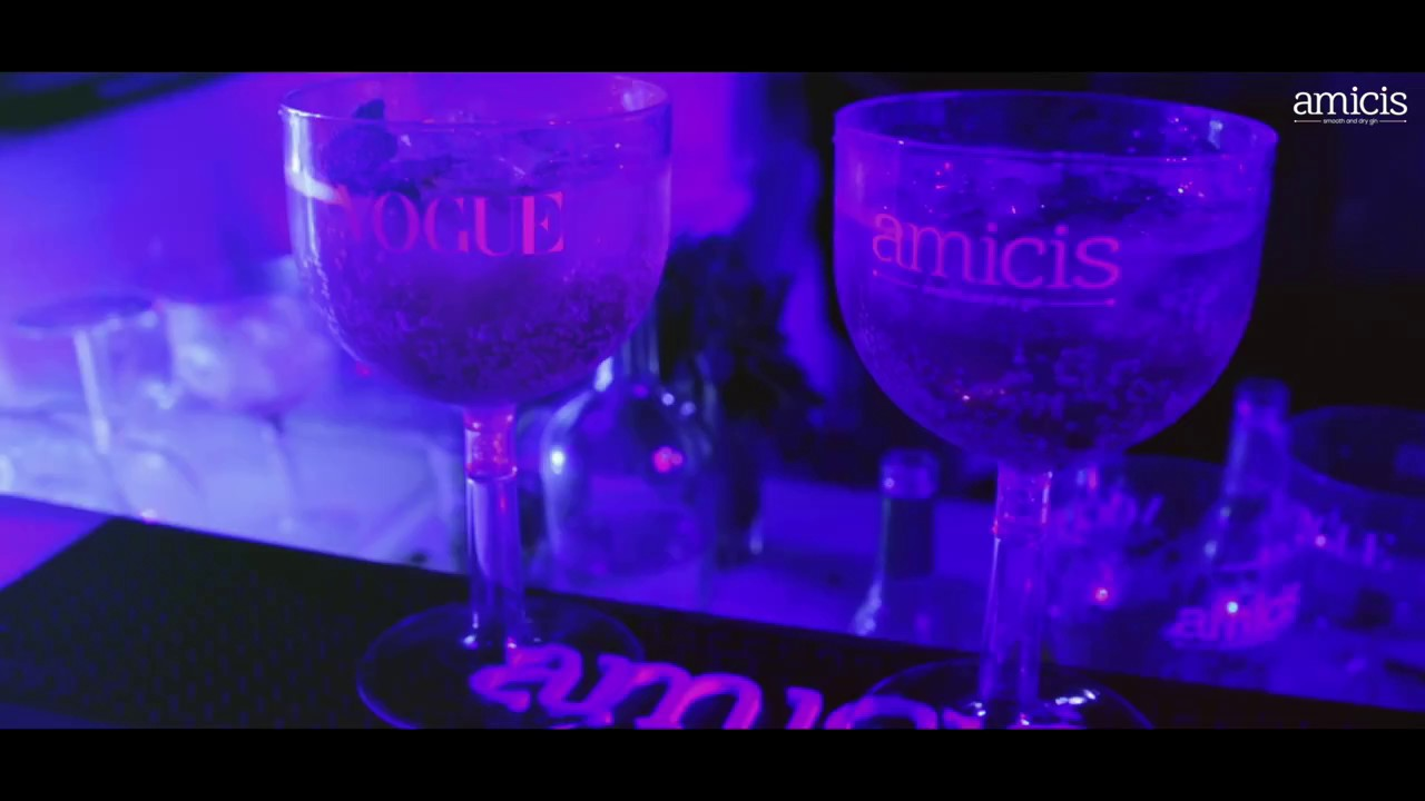 Vogue Iconic Party with Amicis