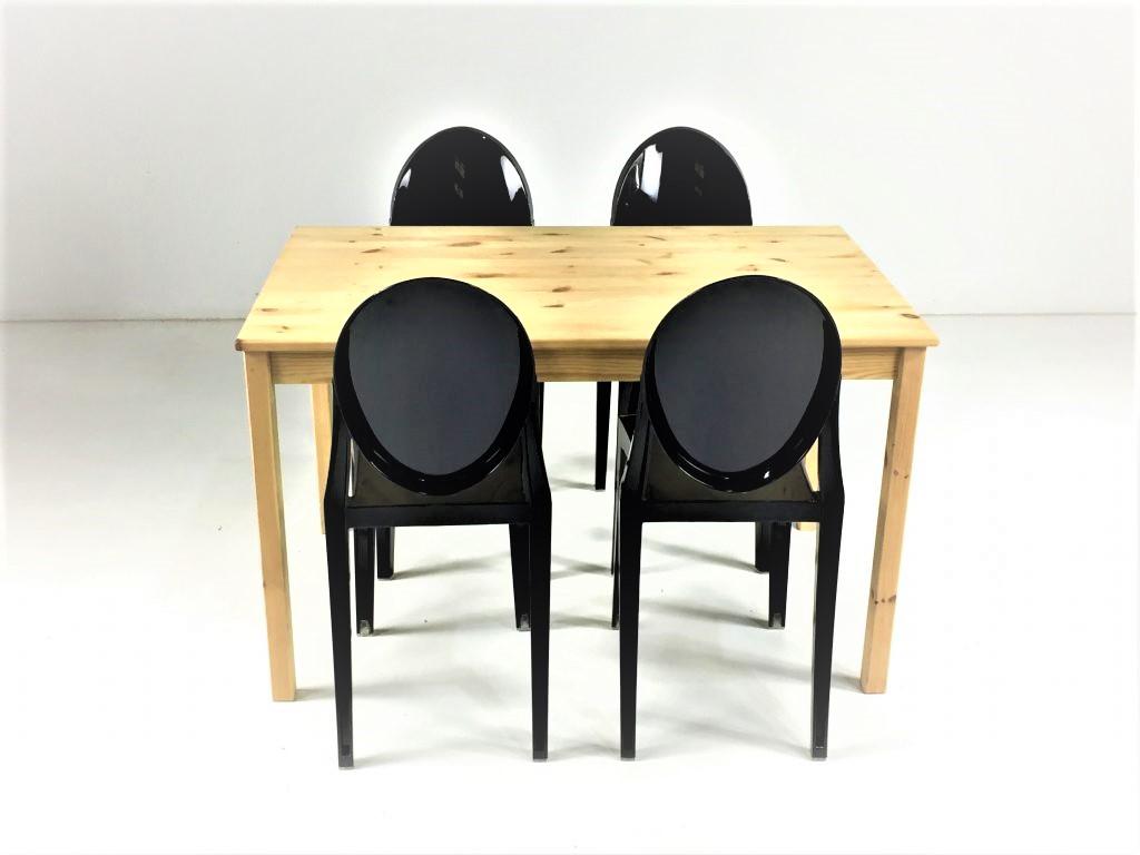 Aluguer-Mesa-Pinho-e-Cadeira-Ghost.-Magnezya-Event-Support
