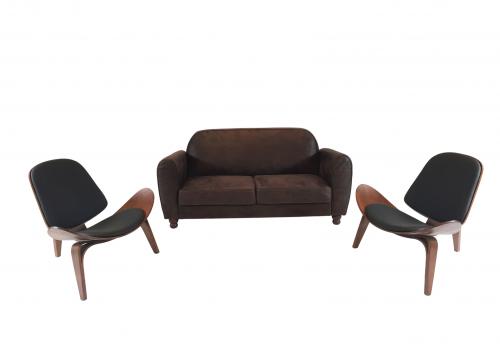 Auguer Set. Sofá Retro e Cadeira Nórdica Shell. Alugar Evento. Magnezya Event Support