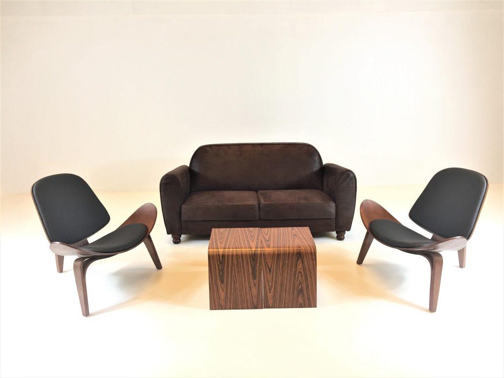 Aluguer Set. Sofá Retro. Cadeira Nórdica Shell e Mesa Baixa Nórdica. Magnezya Event Support